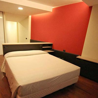 2008-hotelrobgig-01_400x400